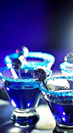 ~Wedding Cobalt Blue Signature Drink | The House of Beccaria#