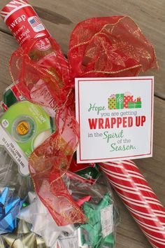 wrap it up! an easy and inexpensive neighbor gift - A girl and a glue gun - wrap it up! an easy and inexpensive neighbor gift – A girl and a glue gun Christmas Eve Box, Neighbor Christmas Gifts, Handmade Christmas Gifts, Neighbor Gifts, Christmas Gift Wrapping, Gift Wrapping Paper, Xmas Gifts, Holiday Crafts, Wrapping Papers