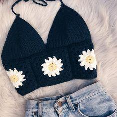 Motif Bikini Crochet, Diy Crochet Top, Mode Crochet, Crochet Summer Tops, Crochet Crafts, Crochet Projects, Knit Crochet, Crochet Top Outfit, Crotchet