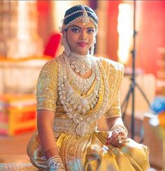 Beautiful South Indian Wedding Wear Idea :- AwesomeLifestyleFashion Different Culture have their own look and style and Kanjivaram and. South Indian Wedding Hairstyles, South Indian Weddings, South Indian Bride, Indian Wedding Bride, Indian Wedding Jewelry, Bridal Jewellery, Indian Jewelry, Bridal Silk Saree, Saree Wedding