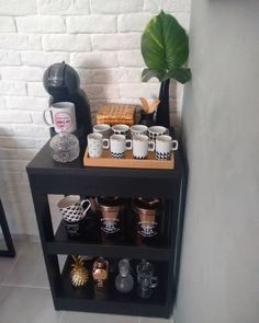 Spa Room Decor, Living Room Decor, Home Decor, Coffee Bar Home, Coffee Corner, Kitchen Themes, Kitchen Decor, Apartment Bar, Bar Set Up