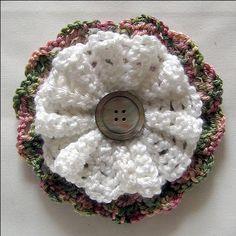 Large Crochet Button Flower ~ free pattern❥Teresa Restegui http://www.pinterest.com/teretegui/❥