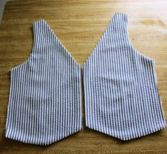 ** Vest Construction Tutorial ** - Set up to use with our own Vest Patterns (Great Tutorial!... I read through it) - This is a Tailor's Method for Constructing a Vest - Very Quick Method & It also Provides for Very Quick Alterations, if Needed!!  ( Running With Scissors Blog - http://www.running-w-scissors.com/search/label/tutorial#.VGKXcfl9KSo )