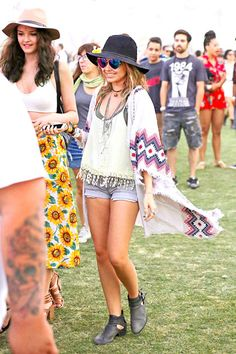 Sarah Hyland What Your Favorite Celebs Wore to Coachella (Prepare for Extreme Festival Style Inspiration!)