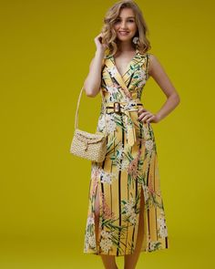 "a06d976009a1 ARAMODU on Instagram  ""Primavera 19 Vestido de linho estampa floral com  fendas frontais. 🌼🌼🌼 ꕥ ꕥ ꕥ  estiloaramodu  vestidofashion ..."