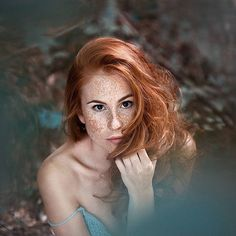 Lovely ! Model 🌿 @martina_vyberciova 🌿 Photo @crimson.photography  Admin: @umbird . . #redheaded#portfolio#featureacreature#ftmedd#creativesontherize#vscoportrait#redhairdontcare#featuremebest#artofvisuals#agameoftones#photographysouls#redheads#sombrebeings#freckled#agameofportraits#mobilemag#portraitsmag#gingers#freckledfaces#redheadshavemorefun#redhead#photographyislifee#chasingemotions#500px#flickr#typogrxphy#profile_vision#featuremyworld#musephoto#portraitoftheday