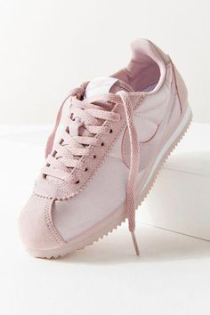 Find all your women's sneaker needs at Urban Outfitters. From slip on sneakers to chunky sneakers featuring brands like Nike, Fila, adidas, Reebok & Vans. Sneakers Fashion Outfits, Fashion Shoes, Zapatillas Nike Huarache, Cute Shoes, Me Too Shoes, Fashion Catwalk, Nike Cortez Shoes, Nike Cortez Leather, Nike Classic Cortez