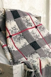 Winter Solstice. Black, cream, red quilt
