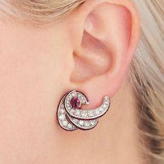 Jewelry by brand – Fine Sea Glass Jewelry Ear Jewelry, Bridal Jewelry, Jewelry Art, Beaded Jewelry, Jewelry Design, Big Earrings, Simple Earrings, Diamond Earrings, Jewellery Sketches