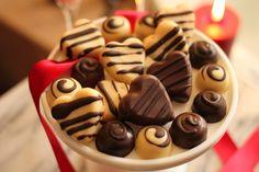 White Chocolate Keto Truffles - http://mariamindbodyhealth.com/white-chocolate-keto-truffles/