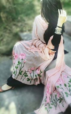 Whatsapp Dp For girl (*Stylish*) Awesome Dp For Girls Cute Girl Poses, Cute Girl Photo, Girl Photo Poses, Girl Photography Poses, Cute Girls, Sunset Photography, Photo Shoot, Stylish Girls Photos, Stylish Girl Pic
