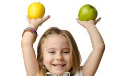 Eine gesunde Ernährung ist wichtig. Aber was genau ist gesund und wie kann sich eine gesunde Ernährung auf den Körper auswirken. In folgendem Artikel erhaltet ihr einige Beispiele und eine Unterscheidung von wissenschaftlich bewiesenen Fakten und ungeklärten Werbeversprechen.
