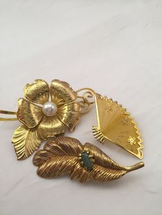 Lot of pins 3 vintage pins/brooches lot of 3 by Culturewares