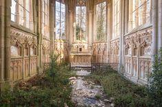 Maravillosas fotografías que capturan la belleza de las iglesias abandonadas más hermosas