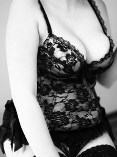 Curvy // Sexy // Lingerie black and timeless