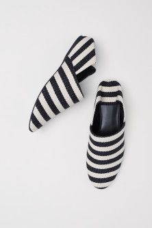 Mules in chunky cotton canvas with concealed wedge heels and fold-down backs. Fabric linings, imitation leather insoles and rubber soles. Red Sole, H&m Online, Dream Shoes, Black White Stripes, Black Flats, Womens Flats, Wedge Heels, Heeled Mules, Fashion Online