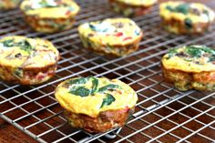Meatless Monday: Spinach, Mushroom + Red Pepper Omelet Muffins | The Fit Foodie Mama
