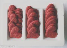 Red Velvet -kakku on yksi suosikkileivonnaisista. Red Velvet -fanina olen kiinnostunut kokeilemaan kakun lisäksi erilaisia Red Velvet -leiv...