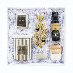 Our most popular corporate gift range. Ideal for client thank-you's or end of year gifts. The luxe range allows clients a wider variety of hand selected art pieces, branded gifts and specialty items to choose from. Branded Gifts, Corporate Gifts, Hostess Gifts, Art Pieces, Range, Popular, Cookers, Promotional Giveaways, Artworks