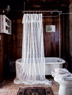 Style tips from Rachel Ashwell, the godmother of shabby chic - achica living Lace Shower Curtains, Lace Curtains, Home, Vintage Bathrooms, Remodel, Shabby, Shabby Chic Bathroom, Rachel Ashwell Shabby Chic, Beautiful Bathrooms