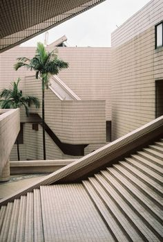 Aestate is an inspirational resource focused on interior design and architecture. Parasols, Space Architecture, Hong Kong Architecture, Stairway To Heaven, Brutalist, Stairways, Interior And Exterior, Building A House, House Design