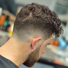 Most Popular Hairstyles For Curly Hair Men 16 - Hair Style Curly Hair Styles, Haircuts For Curly Hair, Cool Haircuts, Hair And Beard Styles, Hairstyles Haircuts, Haircuts For Men, Popular Hairstyles, Haircut Men, Modern Haircuts