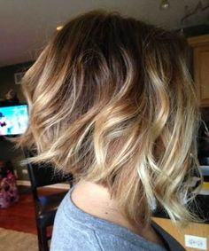 Inverted Wavy Bob Haircut