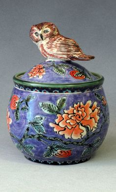 purple owl jar, 20 x 15 cm.