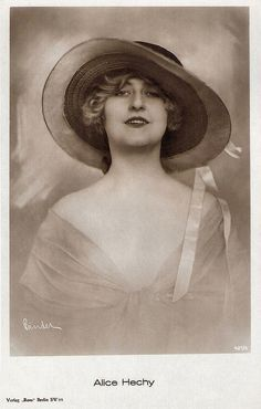 Alice Hechy. German postcard by Ross Verlag, Berlin, no. 421/4, 1919-1924. Photo: Alex Binder, Berlin.