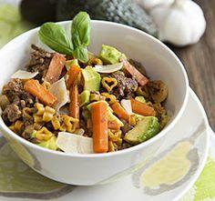 Muuntuva Pastawokki on nopeasti valmistuva ruoka jonka raaka-aineita voi vaihdella maun mukaan. Pot Roast, Japchae, Cobb Salad, Pasta, Ethnic Recipes, Carne Asada, Noodles, Beef Stews, Ranch Pasta