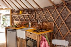 bramblewood-yurt-3...I have no idea why I love the yellow countertops but I do.