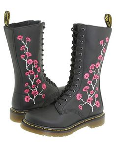 doc martens with flowers Dr. Martens, Doc Martens Boots, Ankle Boots, Moto Boots, Heeled Boots, Shoe Boots, Grunge Style, Soft Grunge, Tokyo Street Fashion