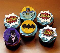 batman cupcakes | batman cupcakes via ilovedessert