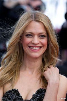 Heike Makatsch strahlt beim Filmfestival in Cannes 2012 in voller Schönheit.