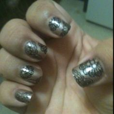 These were the first imPress nails I bought. The name of the design is Holla :)