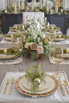 Elegant Green and Gold Christmas Tablescape - Home with Holl.- Elegant Green and Gold Christmas Tablescape – Home with Holliday - Christmas Dining Table, Christmas Table Settings, Christmas Tablescapes, Christmas Table Decorations, Holiday Tables, Decoration Table, Holiday Decor, Table Centerpieces, Lollipop Decorations