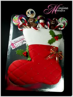 Santa Claus Stocking Cake might have to try this for Christmas! Christmas Cake Designs, Christmas Cake Decorations, Christmas Cupcakes, Christmas Sweets, Holiday Cakes, Noel Christmas, Christmas Goodies, Christmas Baking, Christmas Stockings