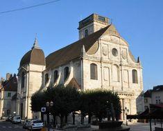 Saint-Georges à vesoul est situé sur l'emplacement d'une ancienne chapelle dont l'origine remonte au XIe siècle. Construite de 1735 à 1745,
