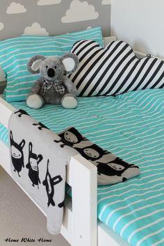 Home White Home: Annon turkoosit raidat pikkumiehen huoneessa