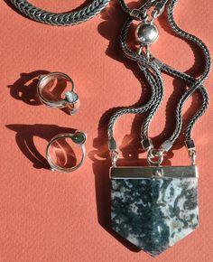 MANIAMANIA Mirrors Silver Agate Necklace