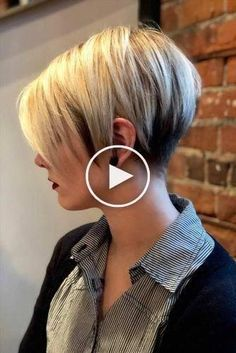 30 So Cute Easy Hairstyles For Short Hai Ideesdecoiffure - Hair Beauty - Maallure Latest Short Haircuts, Cute Short Haircuts, Haircuts For Fine Hair, Cute Hairstyles For Short Hair, Pixie Hairstyles, Easy Hairstyles, Pixie Haircut, Short Choppy Layered Hair, Short Straight Hair