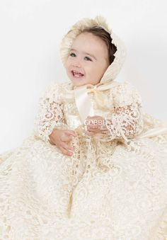 Colección de ropones de bautizo, vestidos de ceremonia, accesorios de bautizo. Zapatos de ceremonia y calcetas. Baby Blessing Dress, Girls Baptism Dress, Christening Gowns, Communion Dresses, Baby Princess, Samara, Beautiful Outfits, Cute Babies, Kids Fashion