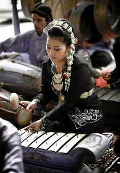 #Gamelan traditional #Indonesian #orchestra, which is made up mostly of metal…