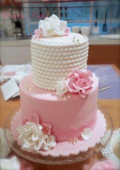 Mini wedding cake by Veronica22 - http://cakesdecor.com/cakes/273504-mini-wedding-cake