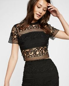 4c92a7e8339 trellis lace short sleeve cropped top