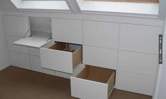 Love this - opgeruimde zolder kastenwand | CHECK OUT MORE STORAGE IDEAS AT DECOPINS.COM | #storage #storage #closets #nooks #shelves #bookshelves #wallstorage #homedecor #homedecoration #decor #livingroom #walls