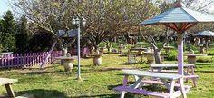 7 πάρκα και κήποι για να πάτε με το παιδί όταν έχει λιακάδα! Athens, Gazebo, Greece, Outdoor Structures, Patio, City, Places, Outdoor Decor, Islands