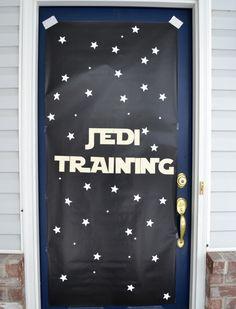 Star Wars Party: Front door decor