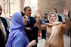 Secretary of State Hillary Clinton recounts a story to President Barack Obama, Senior Advisors David Axelrod and Valerie Jarrett, outside the Sultan Hassan Mosque in Cairo, Egypt, June 4, 2009