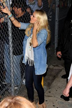 Carrie Underwood Photo - Carrie Underwood Greets Fans---the night we met her!! Loved her outfit!